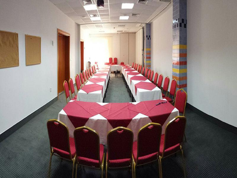 Incontri d'affari nell'albergo MARINA SELCE!